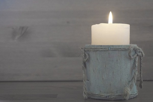 candle-1280524_640-2